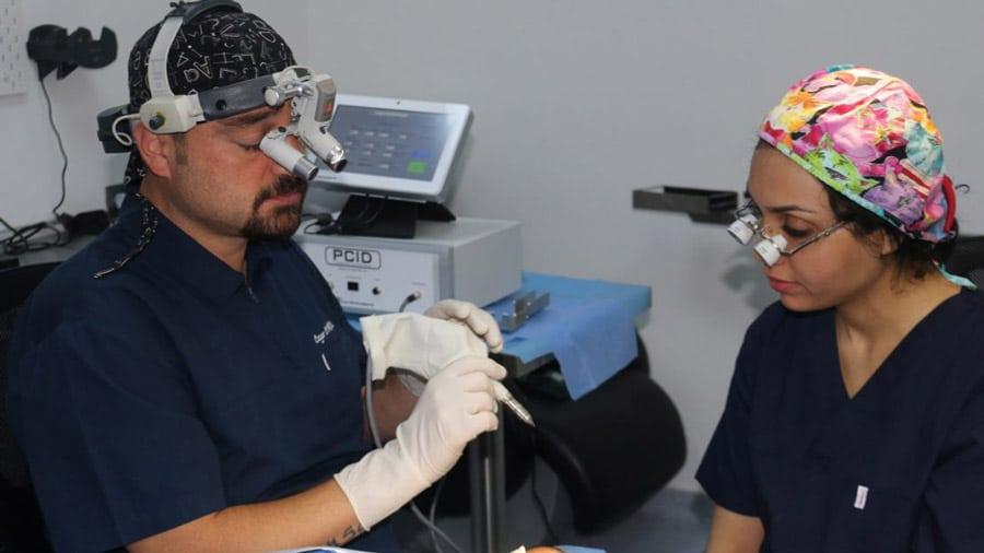 Использование правильного панча при извлечении волос методом FUE