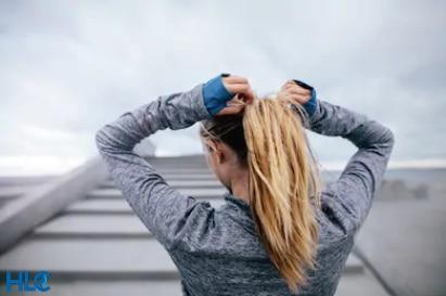 Позитивное и негативное влияние спорта на здоровье и выпадение волос