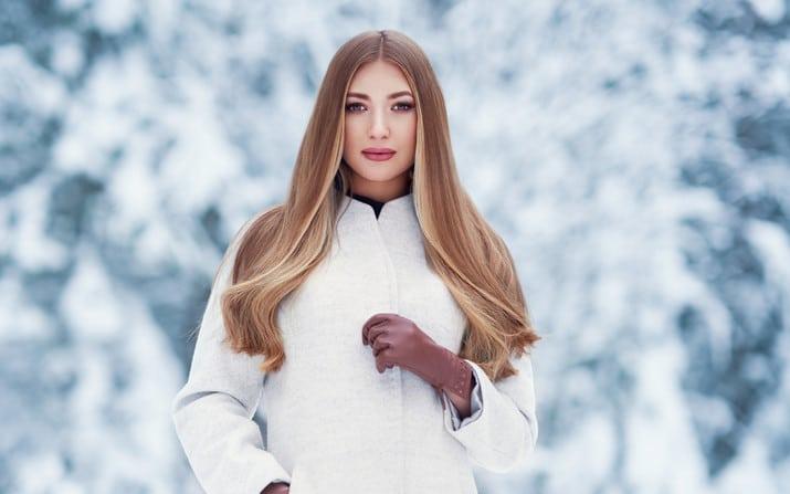 Как правильно ухаживать за волосами в зимнее время?