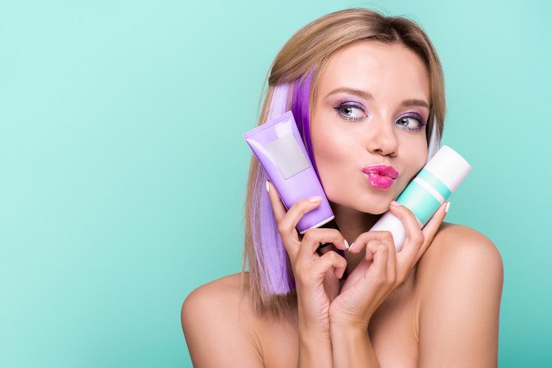 защитить волосы помогают уходовые средства