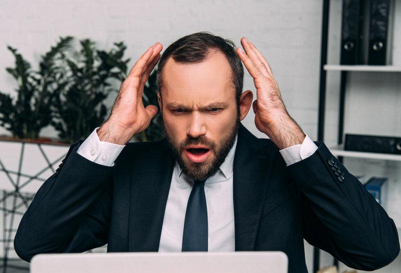 стрессы усиливают выпадение волос