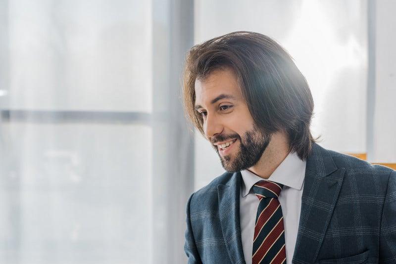 метод пересадки волос fue позволяет получить естественный вид волос
