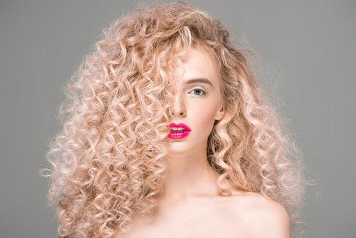 химическая завивка и выпадение волос как её последствие
