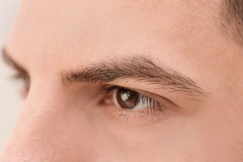 выпадение волос на бровях